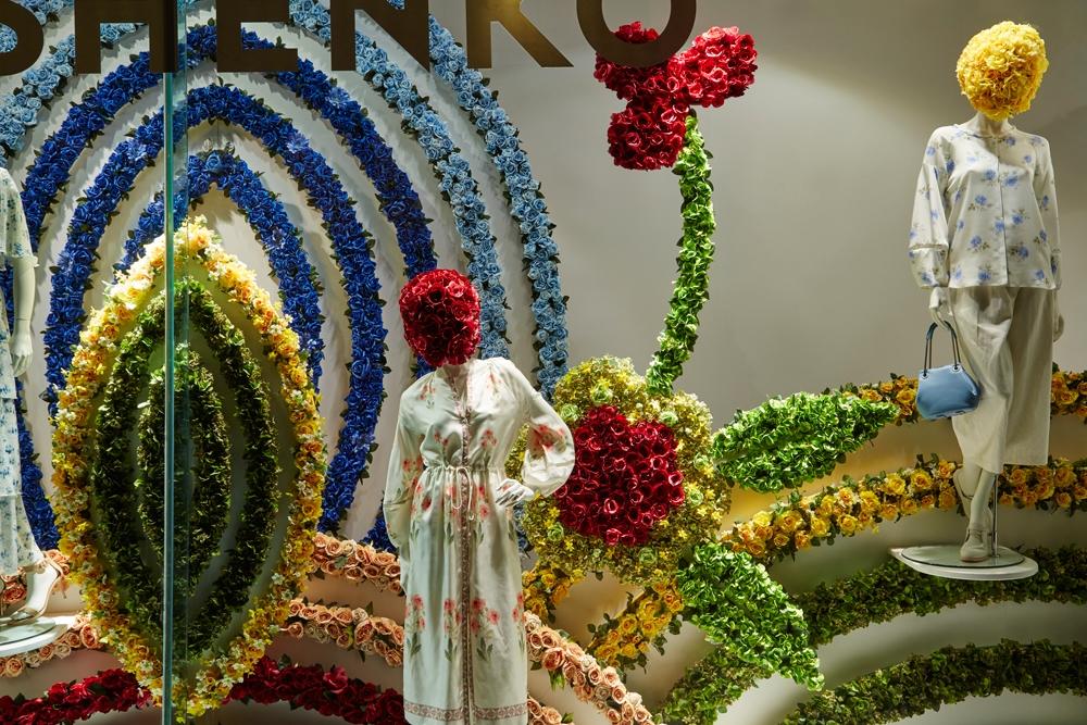Fenwick-Bond-Street-Fashion-Store,-Vilshenko,-Fashion,-flowers,-Window-Display,-Specialist-fixtures-4.jpg