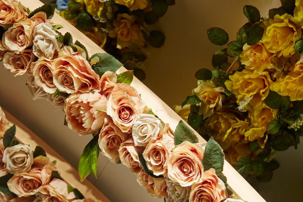 Fenwick-Bond-Street-Fashion-Store,-Vilshenko,-Fashion,-flowers,-Window-Display,-Specialist-fixtures-6.jpg