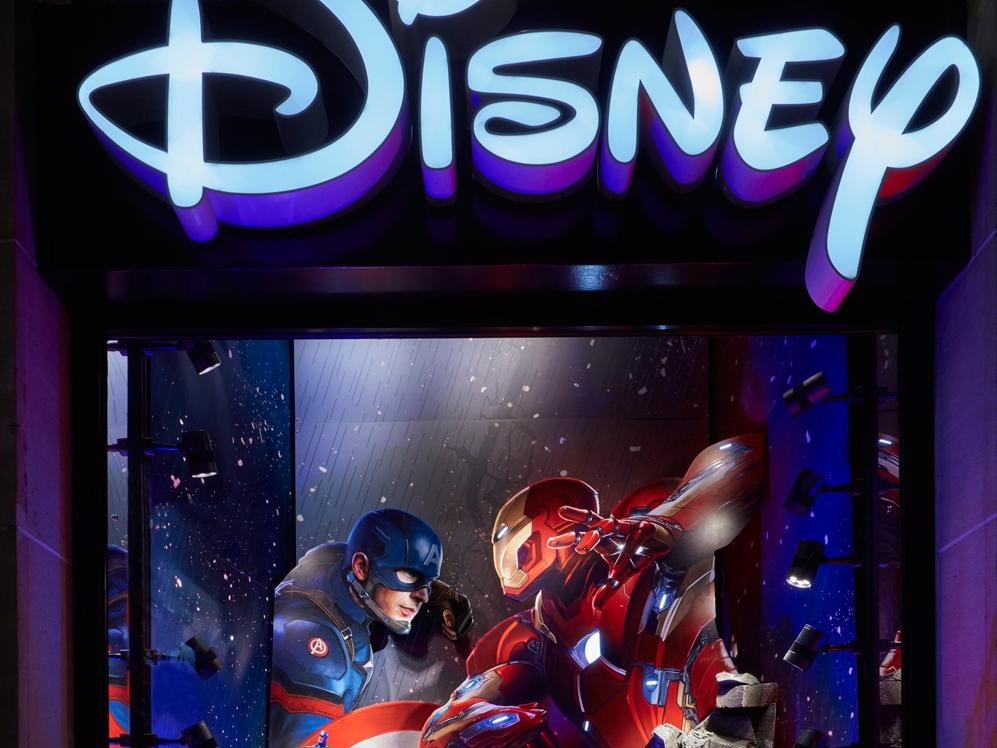 Captain-America,-Civil-War,-Disney-Store-1.jpg