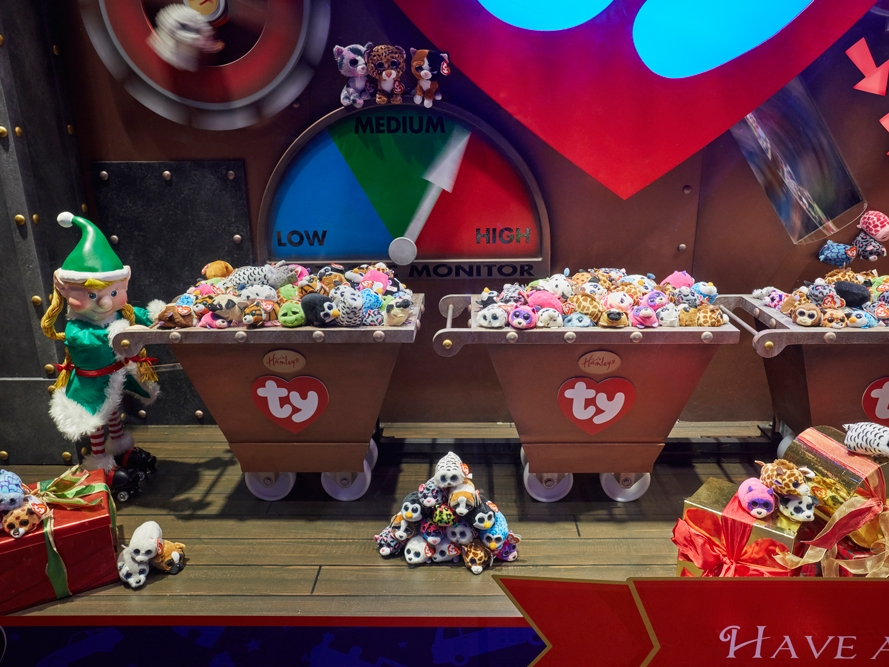 Propability,-Hamleys-Christmas-Window,-Elf-at-work-with-Carriages-full-of-toys.jpg