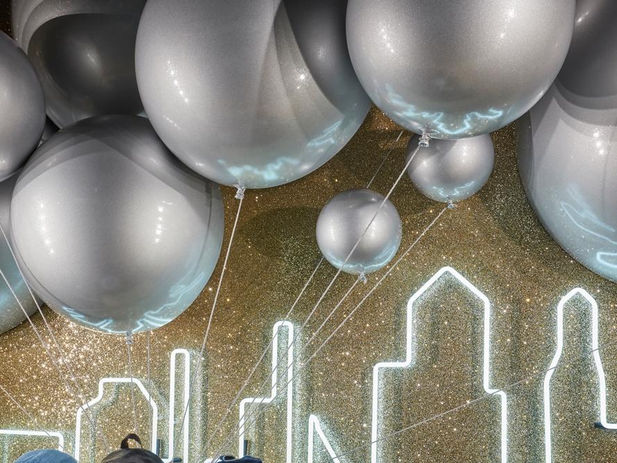 Propability,-Selfridges,-Eastpack-Balloons,-Window-Display2.jpg