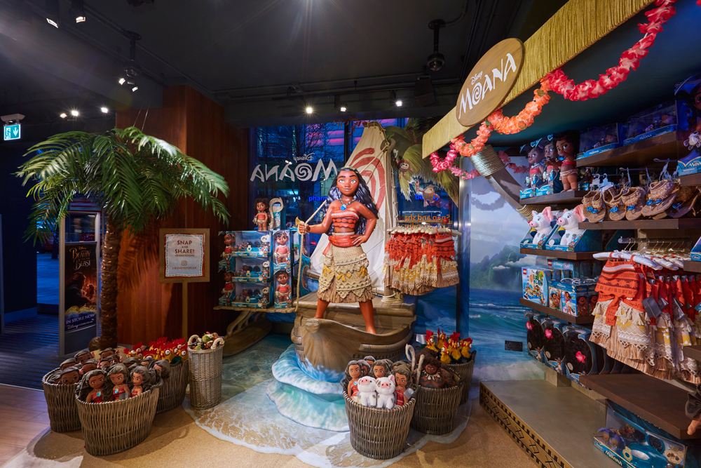 Propability,-Moana,-In-Store-Props-and-Display-2.jpg