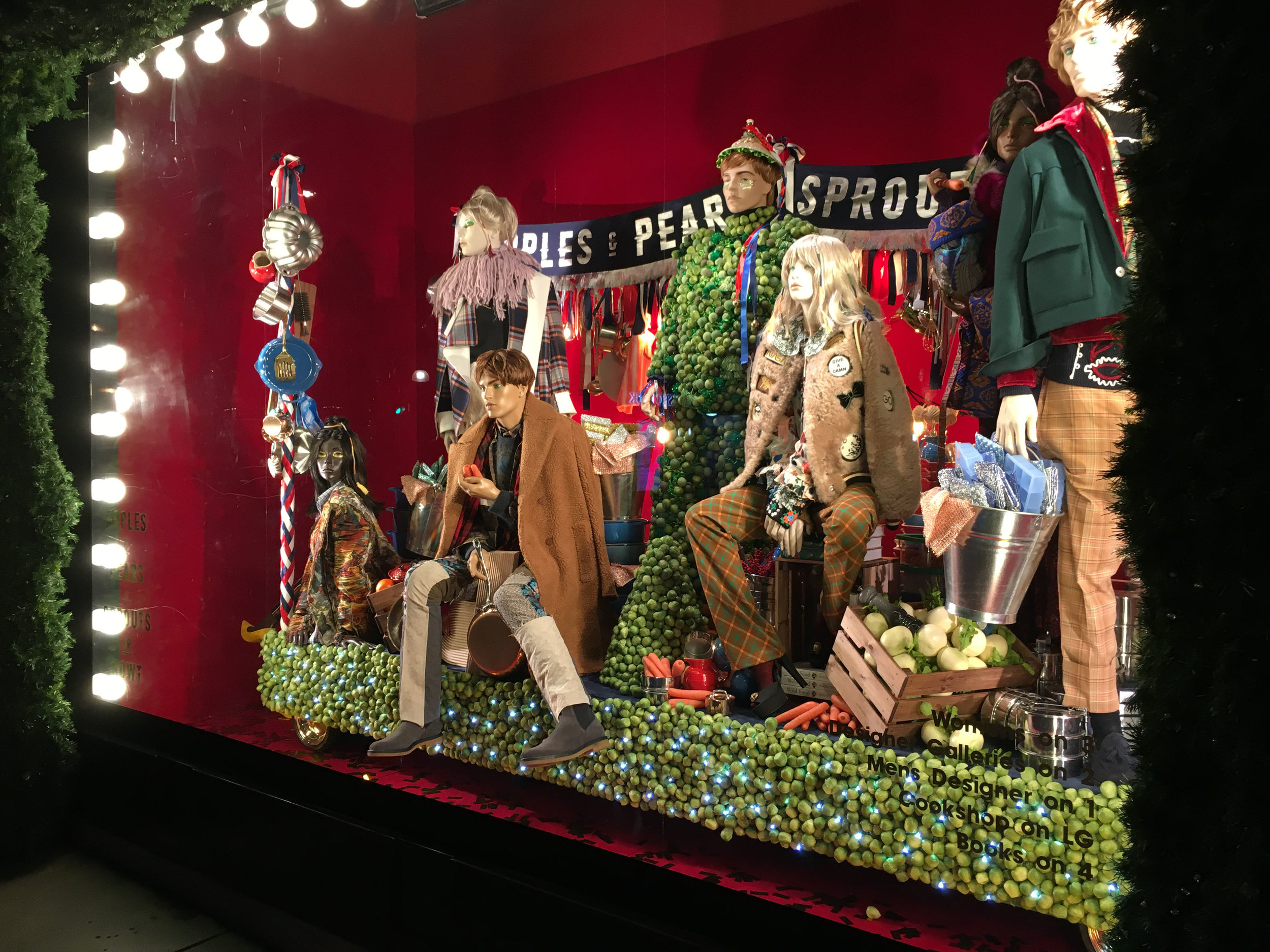 Propability, Selfridges Christmas, Window Display, Floats & Fashion.jpg