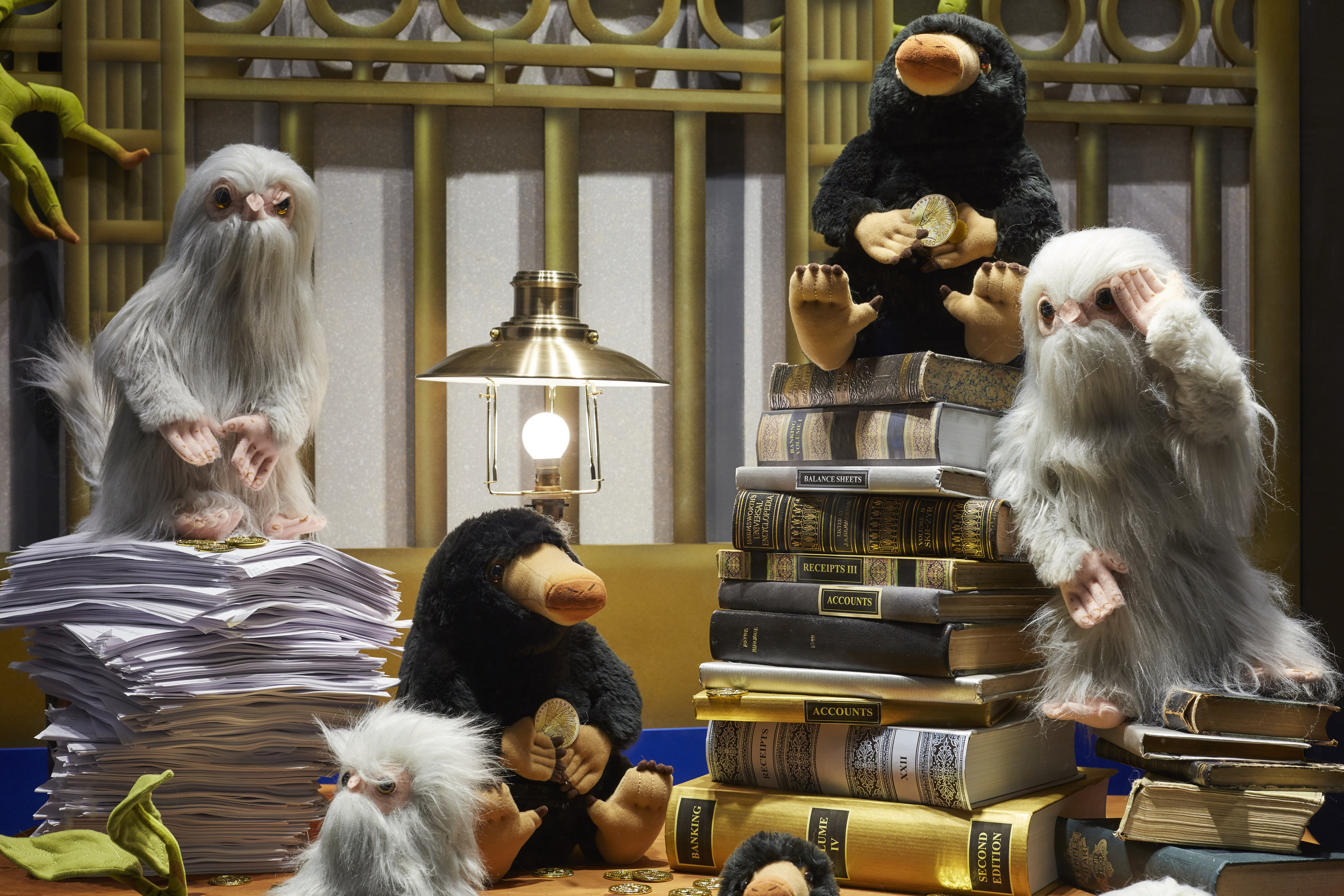 Propability, Props, Books, Lamp & Desk Fantastic Beasts Sourcing .jpg