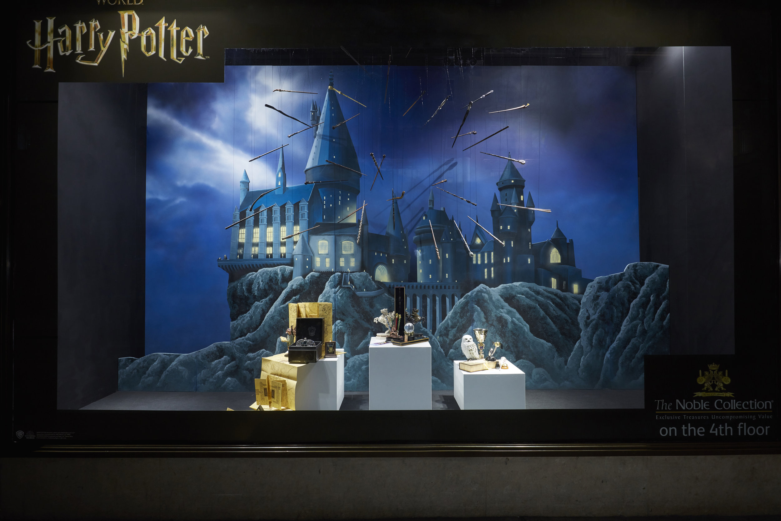 FANTASTIC BEASTS & HARRY POTTER - HAMLEYS, LONDON    Sept 2018