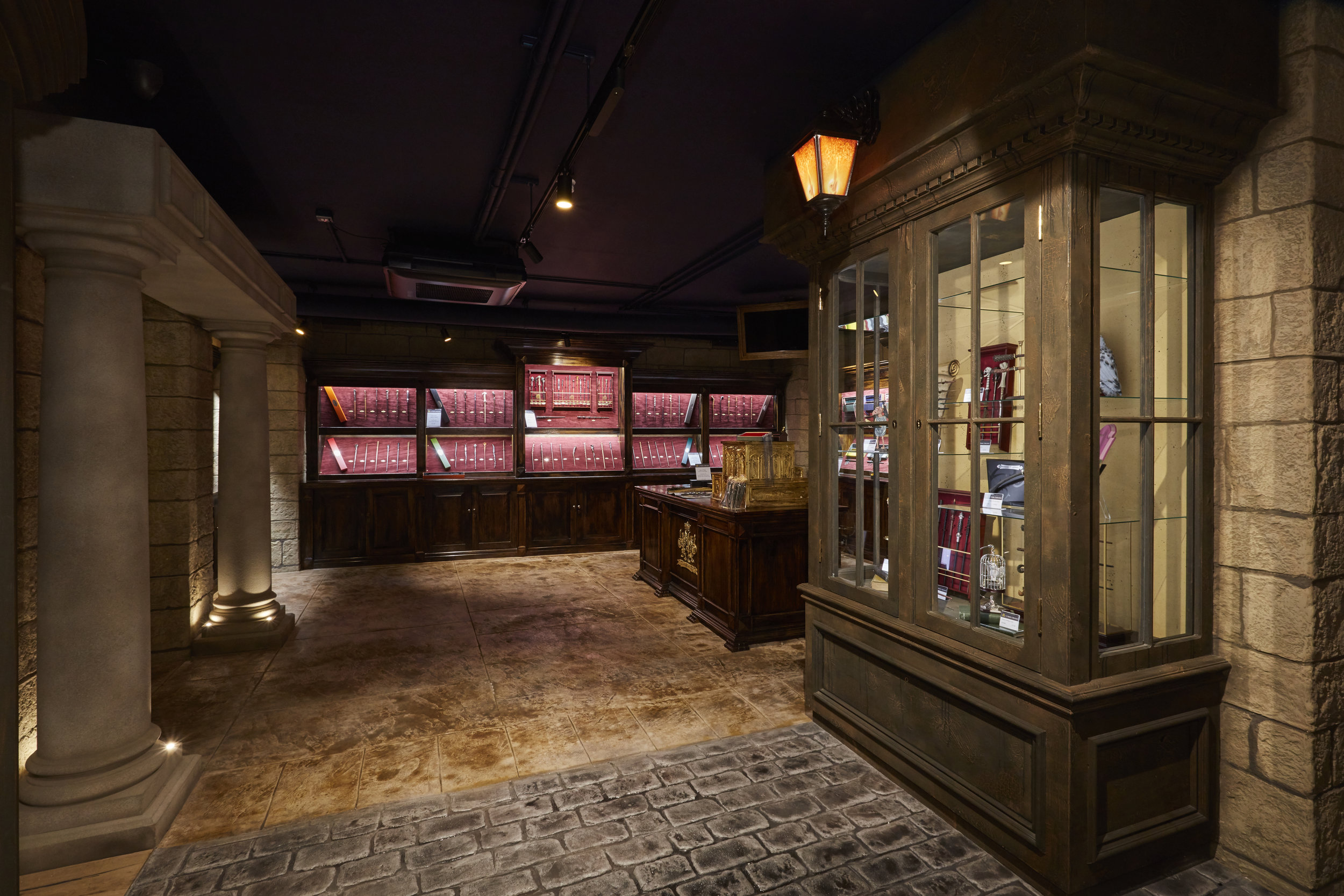 Noble Collection, Propability, Immersive Environment, Store Development.jpg