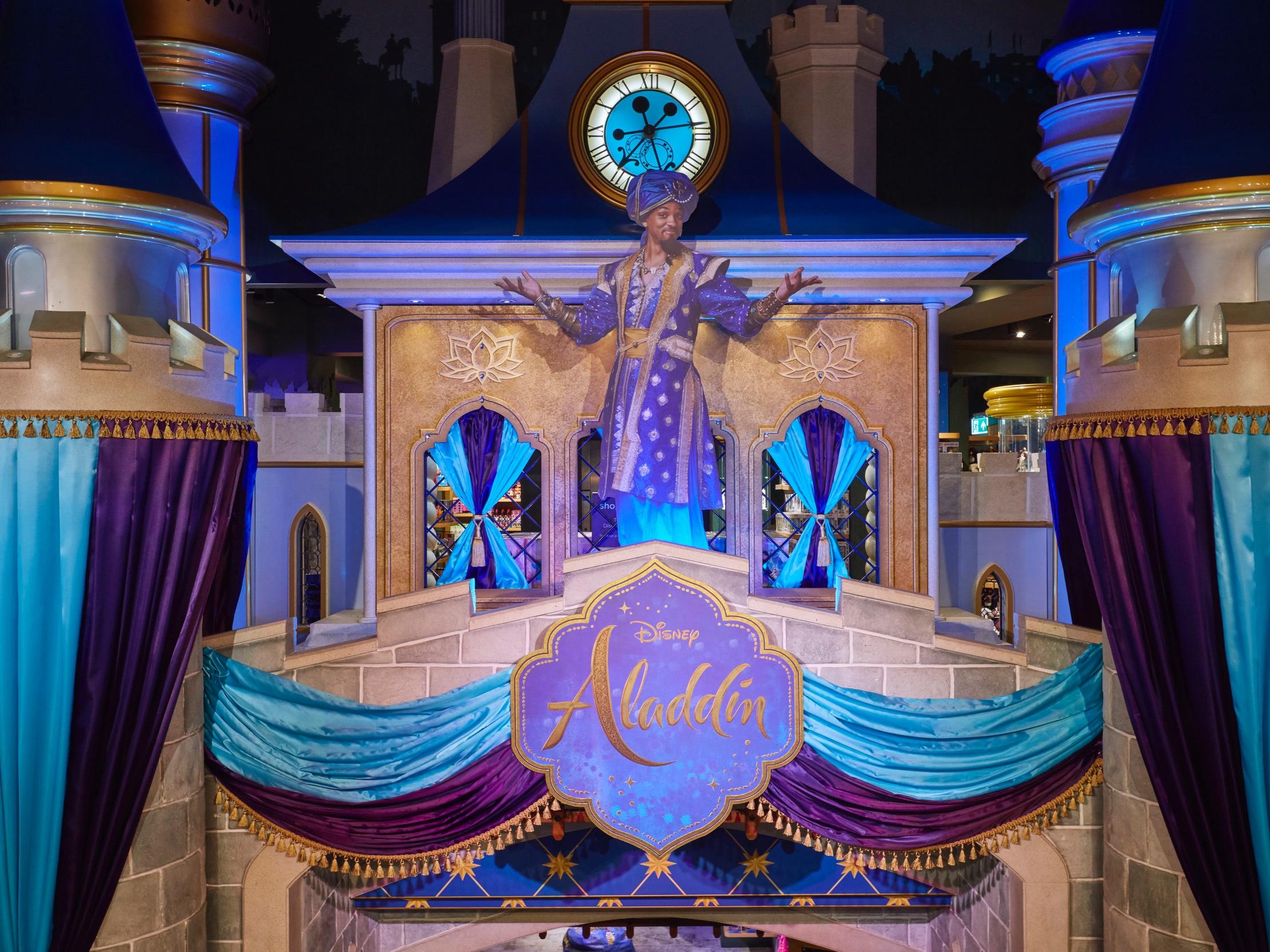 Disney+Castle%2C+Aladdin+decoration.jpg