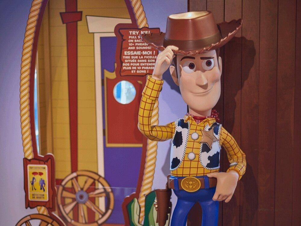 Propability%2C-Disney-Store%2C-Toy-Story-4%2C-Woody.jpg
