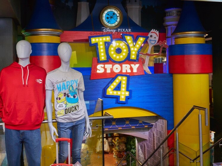 Propability%2C-Disney-Store%2C-Castle%2C-Best-Prop-4.jpg