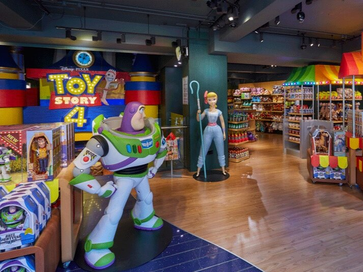TOY STORY 4 - DISNEY STORE    July 2019