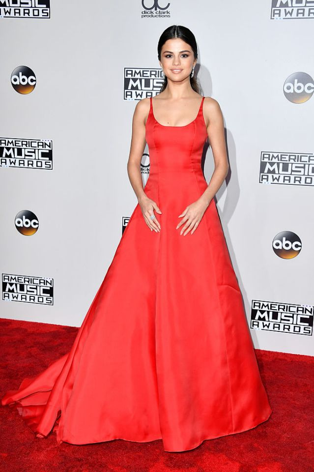 With her heart-warming speech bringing light to anxiety and depression Selena Gomez was definitely the belle of last night's ball, and nothing would have been more fitting to highlight this than this Prada gown.