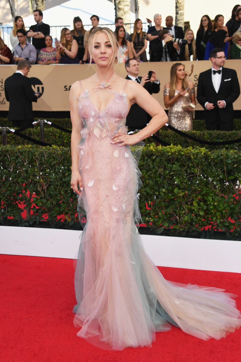 Kaley Cuoco looking ethereal in Marchesa.