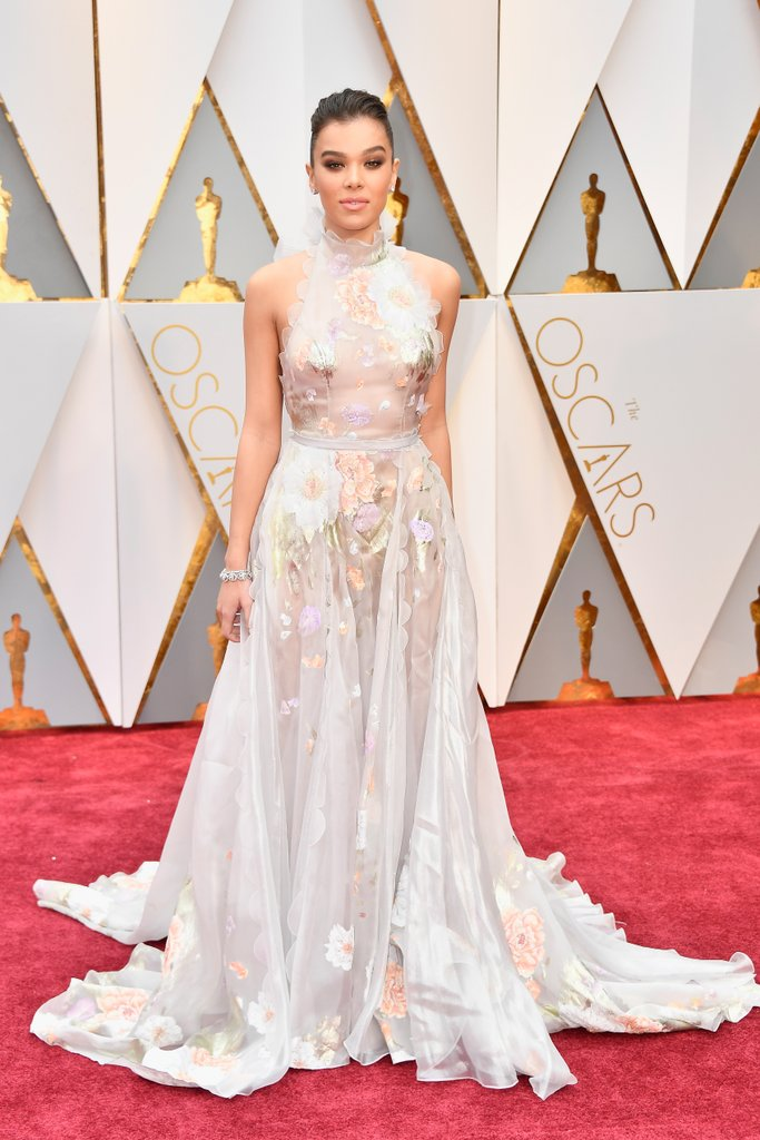 Hailee Steinfeld looks like an ethereal dream also wearing a Ralph & Russo Couture dress, Charlotte Olympia shoes, and Neil Lane jewels.