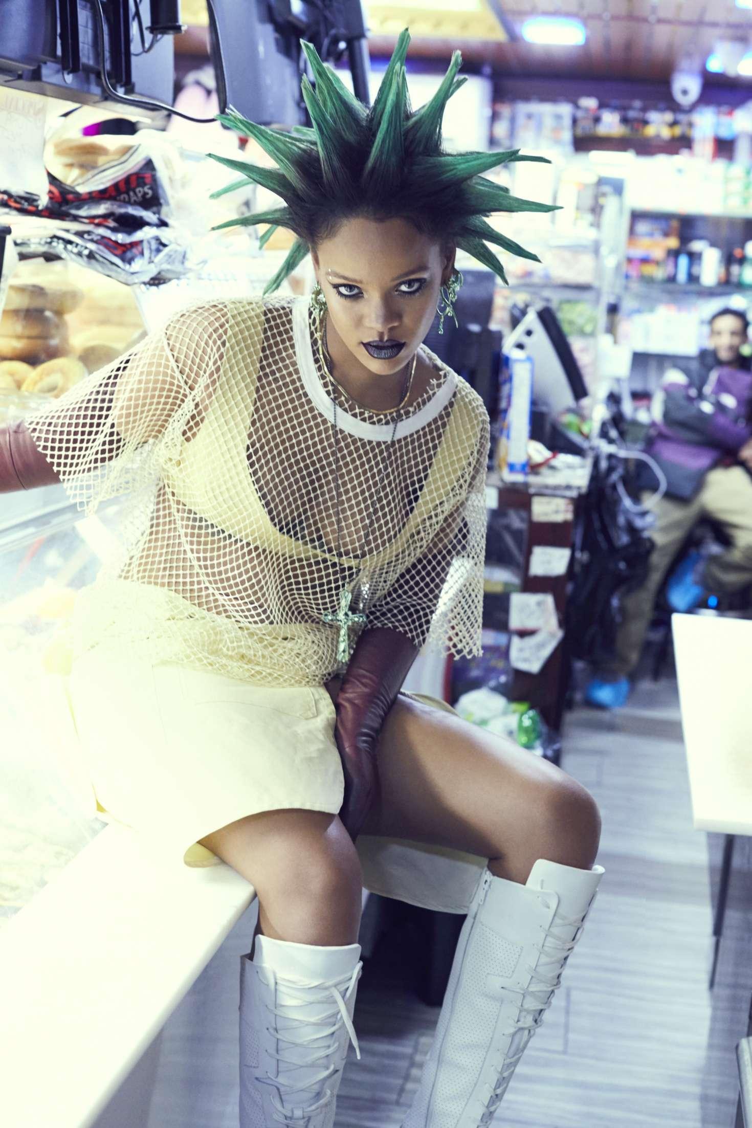 Rihanna--Paper-Magazine-2017--12.jpg