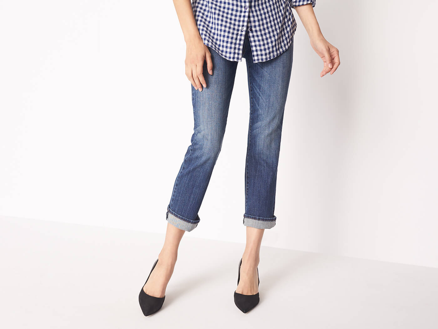03_06_W_04W3_BLG_SPR17_Blog-How-To-Cuff-Your-Jeans_v1_0318_LS.jpg