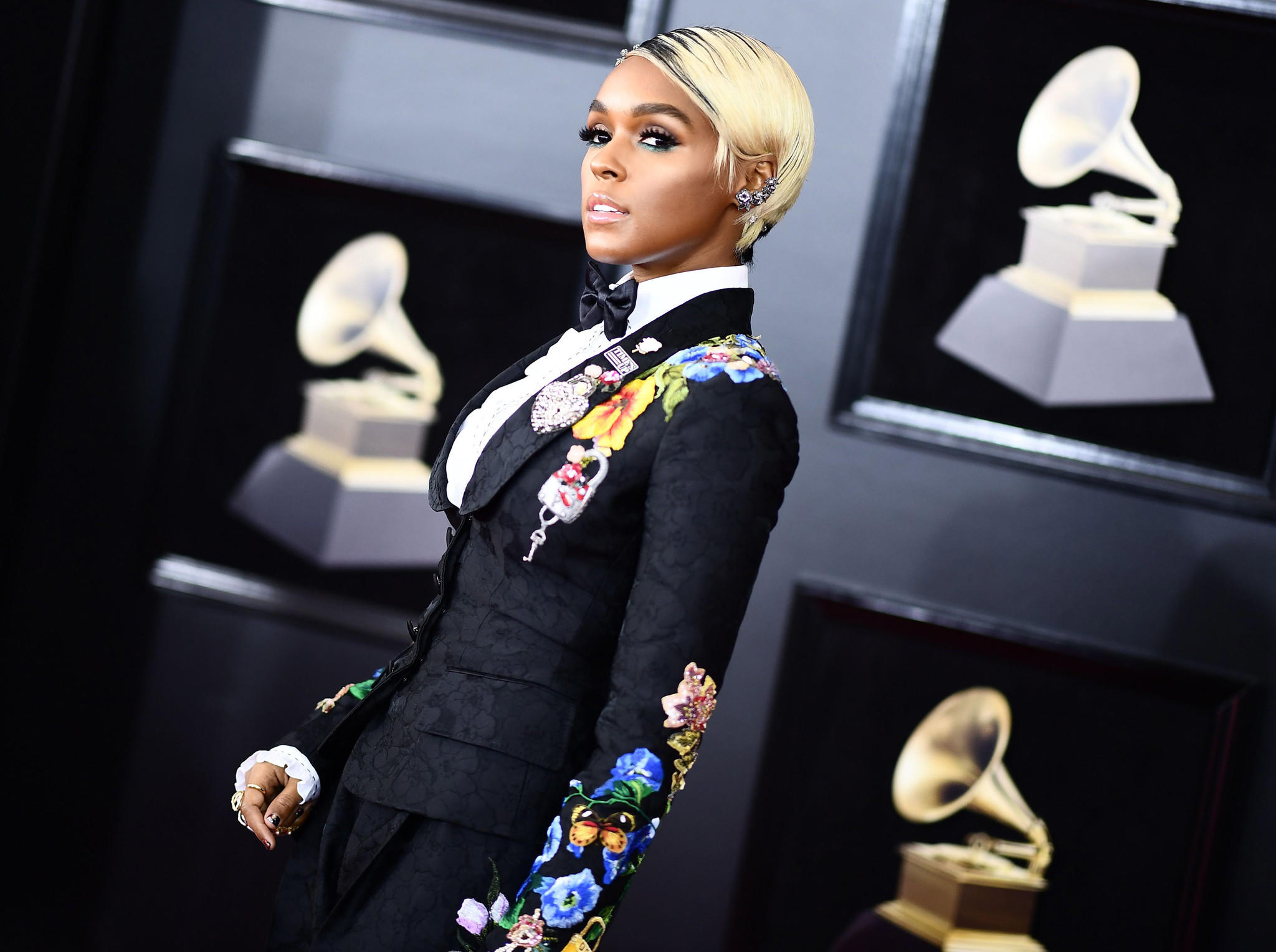 la-ig-grammys-best-worst-looks-photos-2018-009.jpg