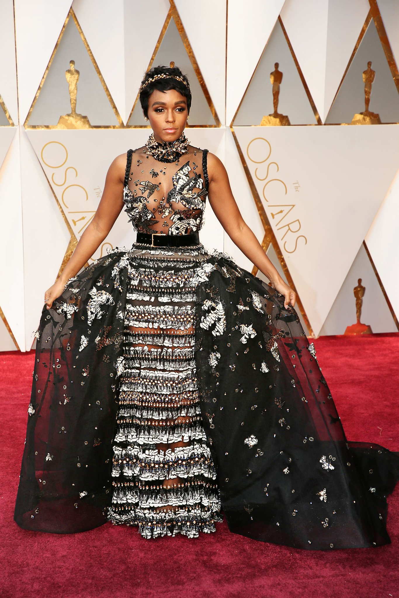 oscars-red-carpet-1412-janelle-monae-superJumbo-v3.jpg