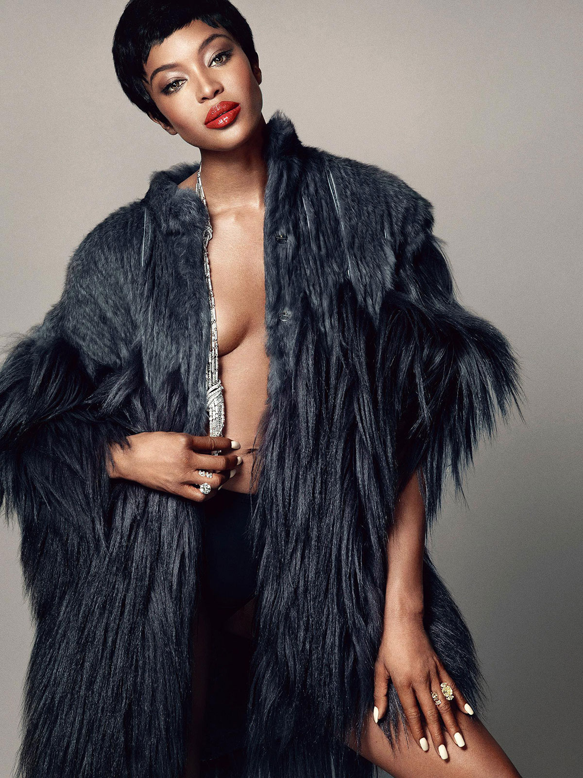 NAOMI-CAMPBELL-in-Madame-Figaro-December-2014-Issue-7.jpg