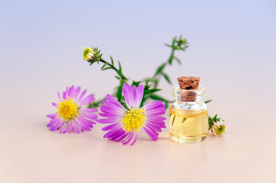 Cosmetic-Oil-Essential-Oil-Flowers-Natural-Product-3197276.jpg