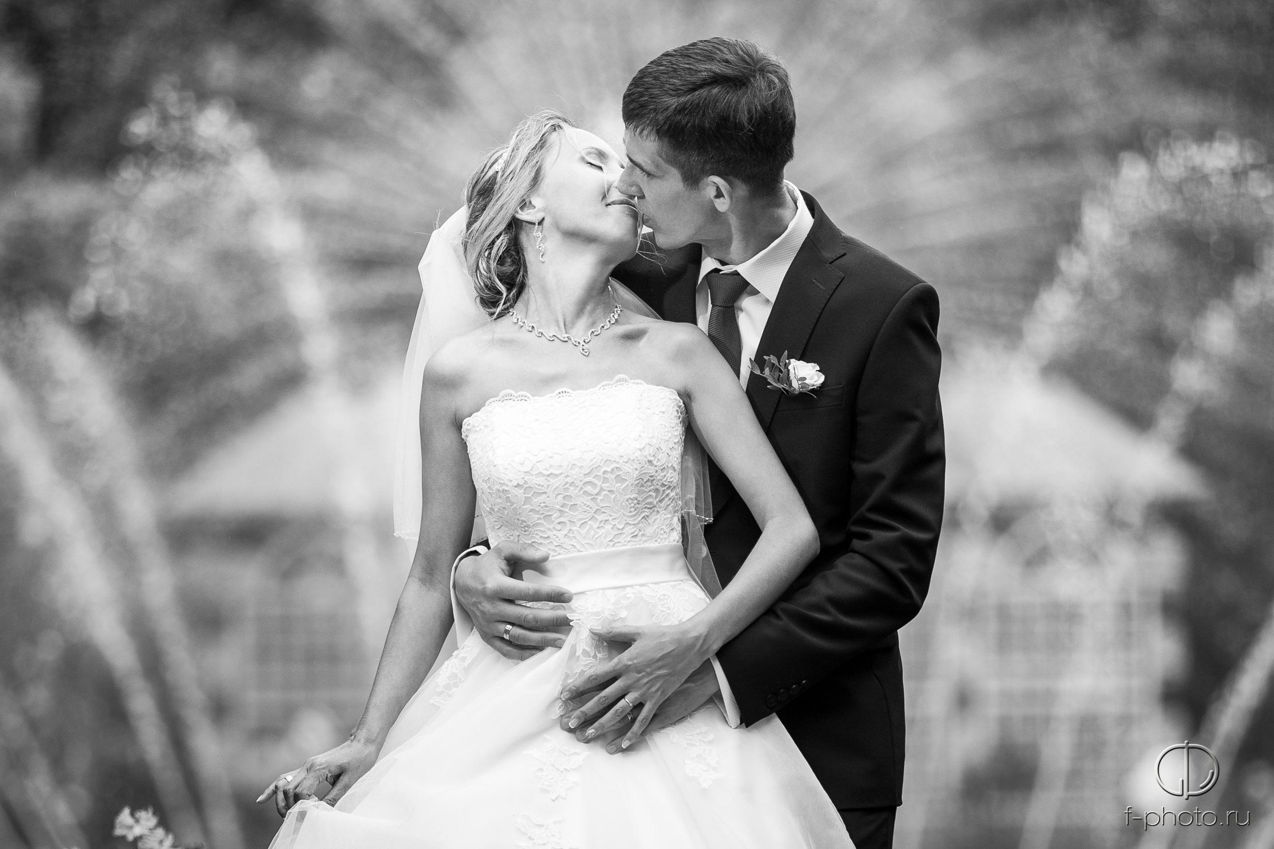 Черно-белые свадебные фотографии