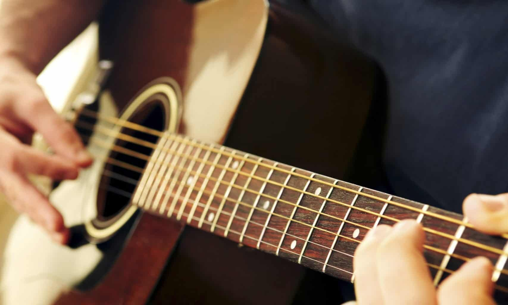 cropped-Guitar-Lessons-.jpg