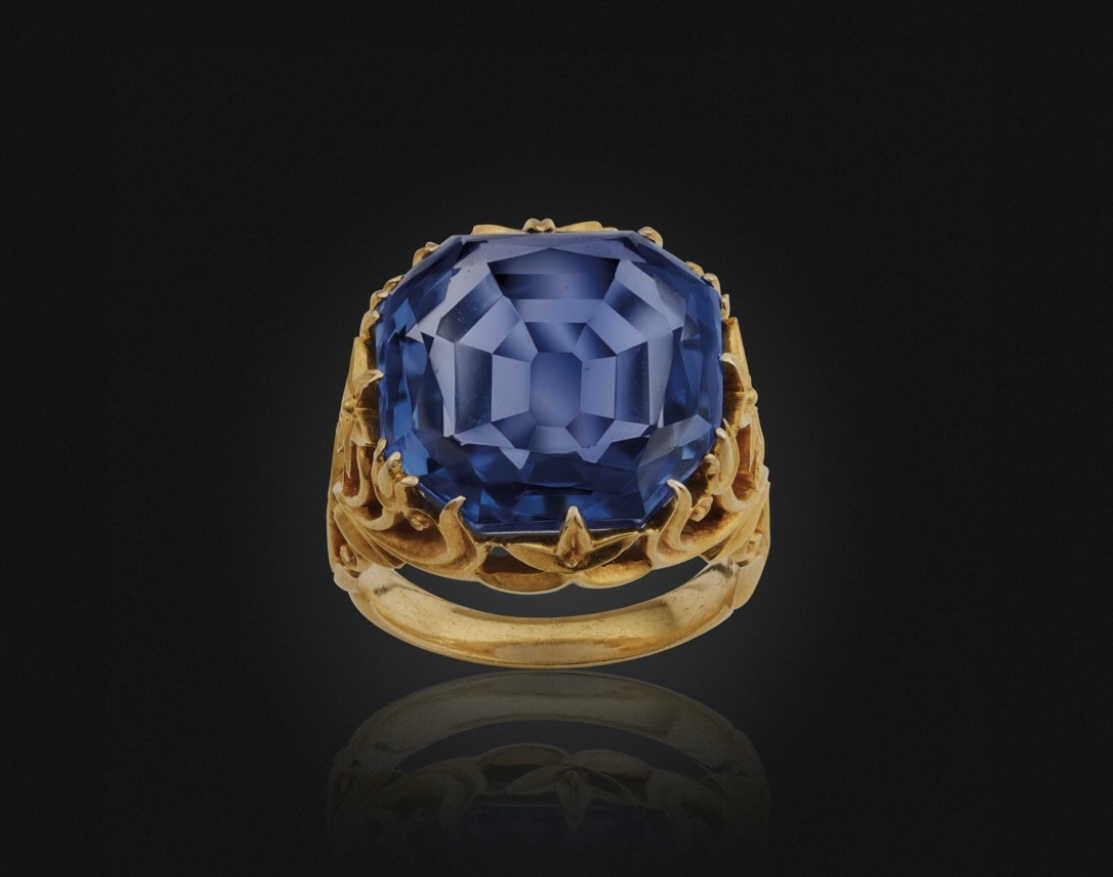 Antique sapphire and gold ring.  Photo source: christies.com
