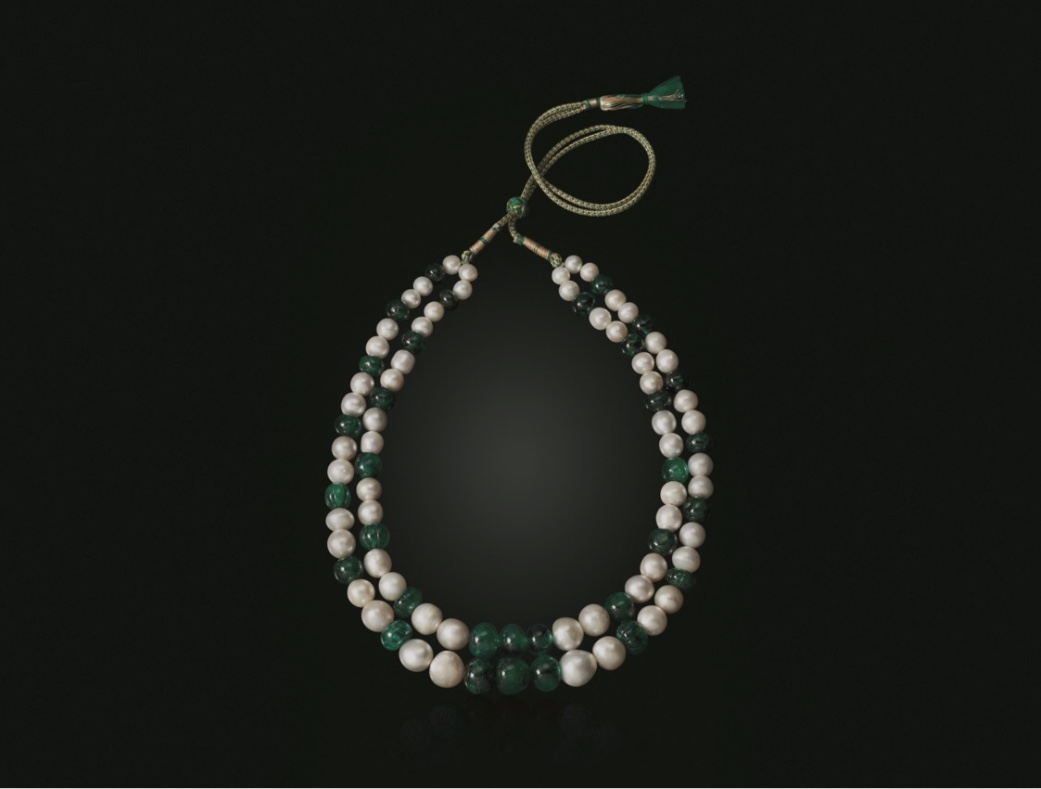 Antique emerald and pearl necklace.  Photo source: christies.com