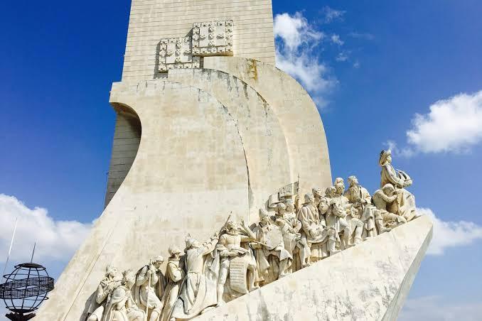 Padrão dos Descobrimentos. Photo Source: We Heart Lisbon.