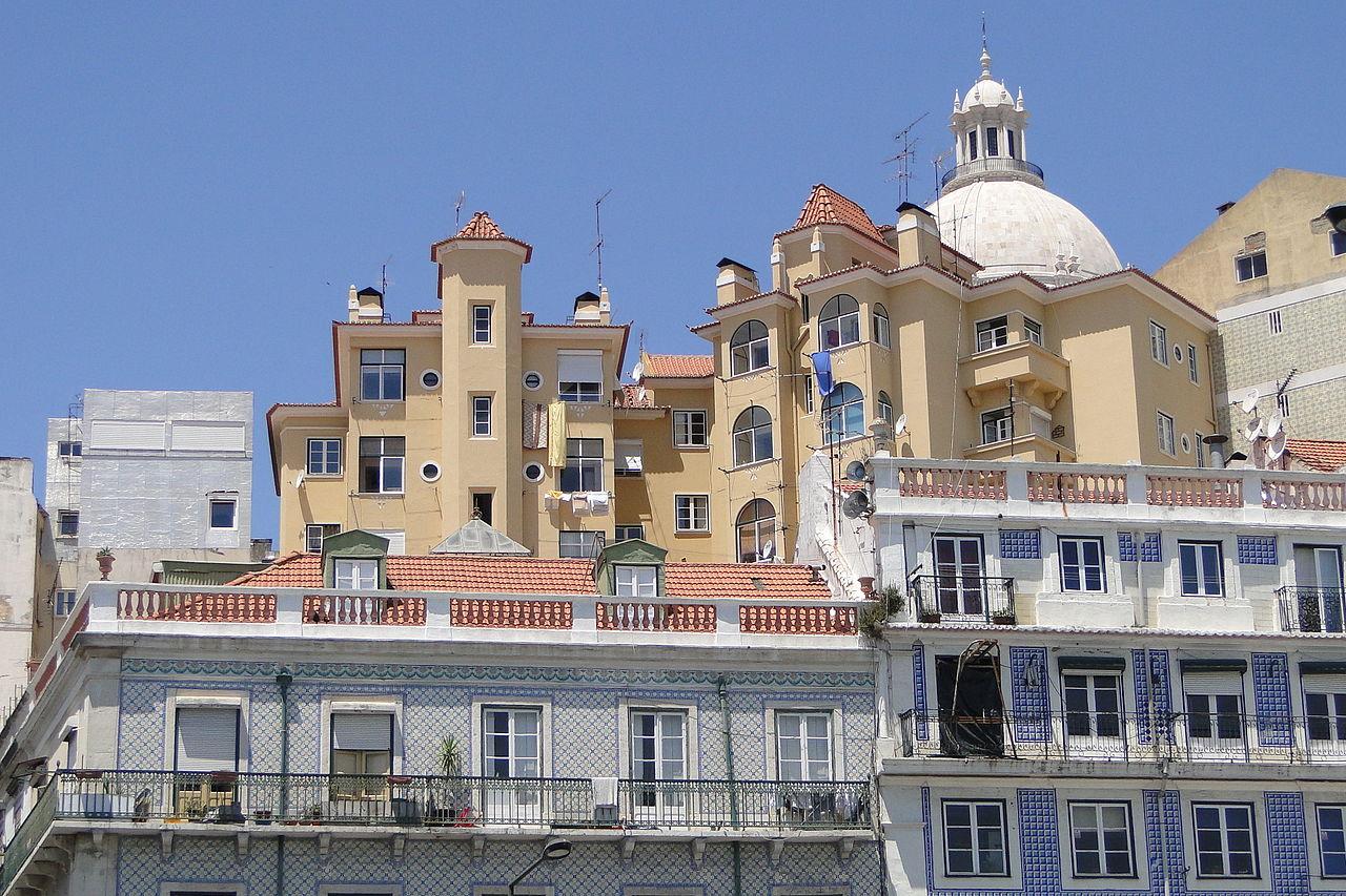 Alfama. Photo Credit: commons.wikimedia.com