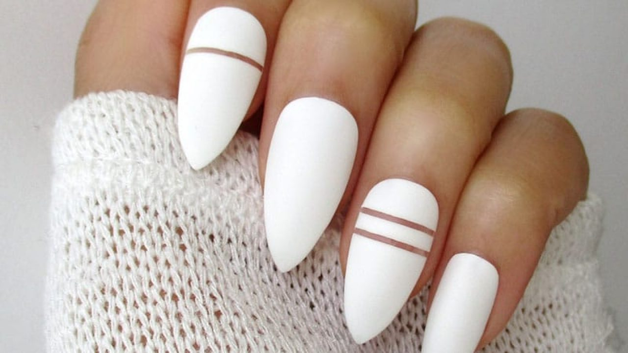 Almond shaped nails. Photo Source: Wild about beauty