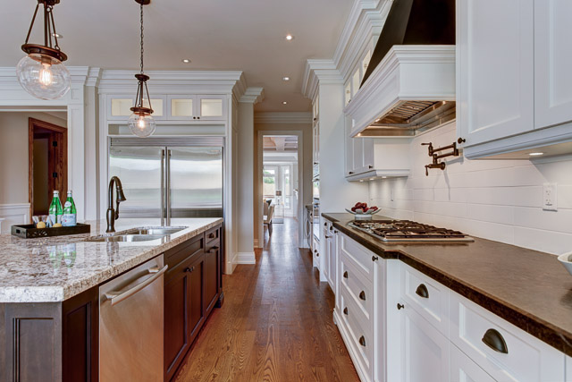 Kitchen - transitional custom home