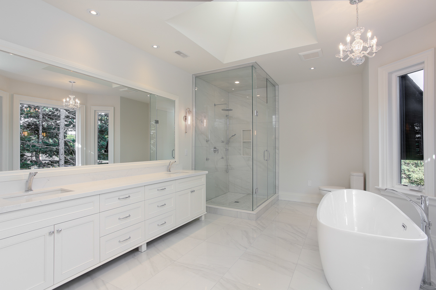 Toronto custom home master ensuite