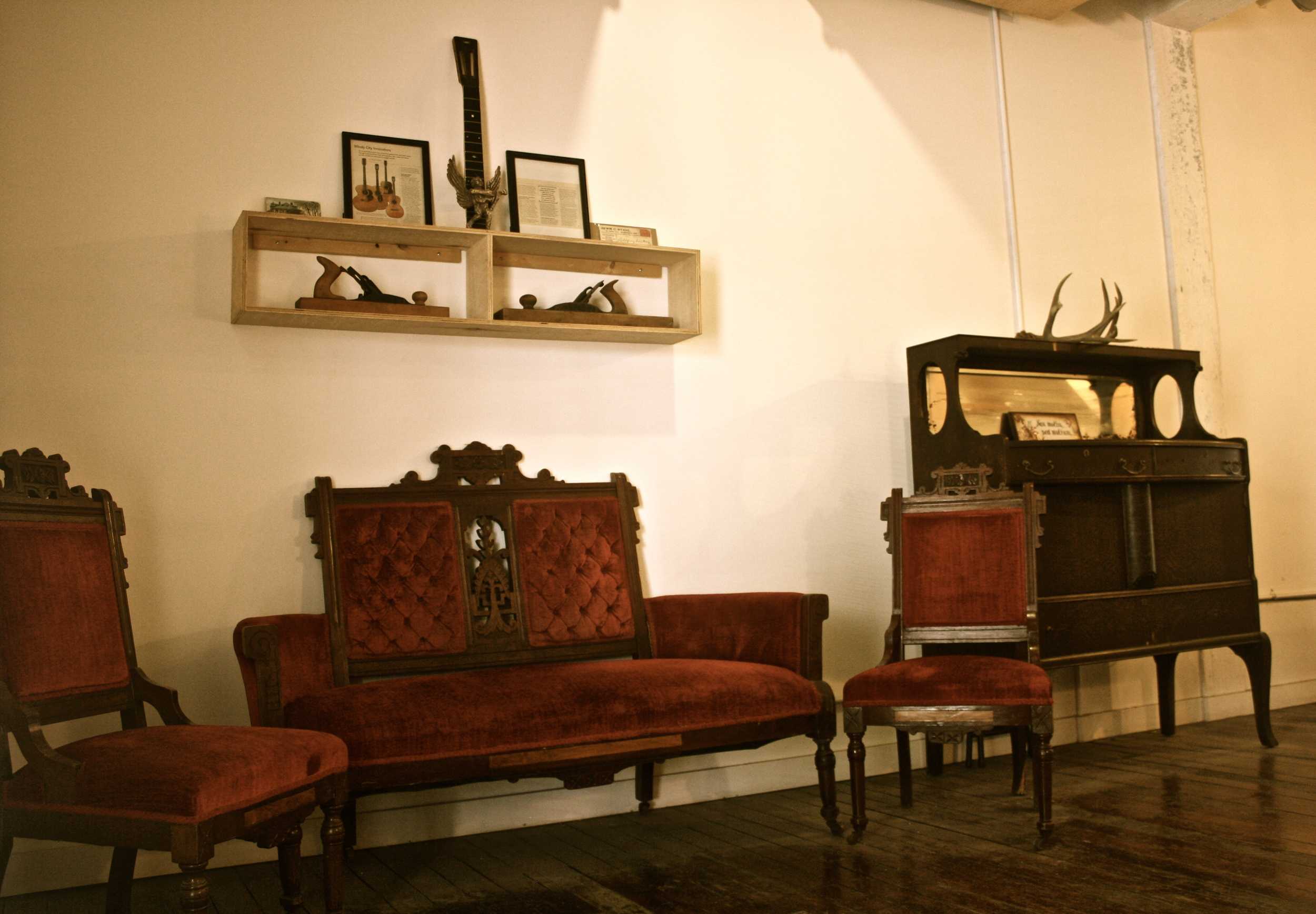 The foyer picking parlor and its antiquity furnishings