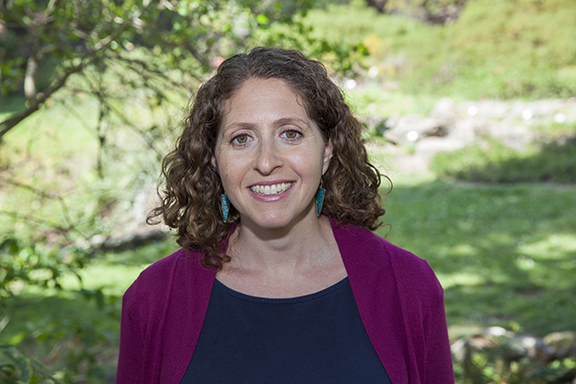 Daniella Beznicki, MFT is a couples therapist in San Francisco at The San Francisco Marriage and Couples Center.