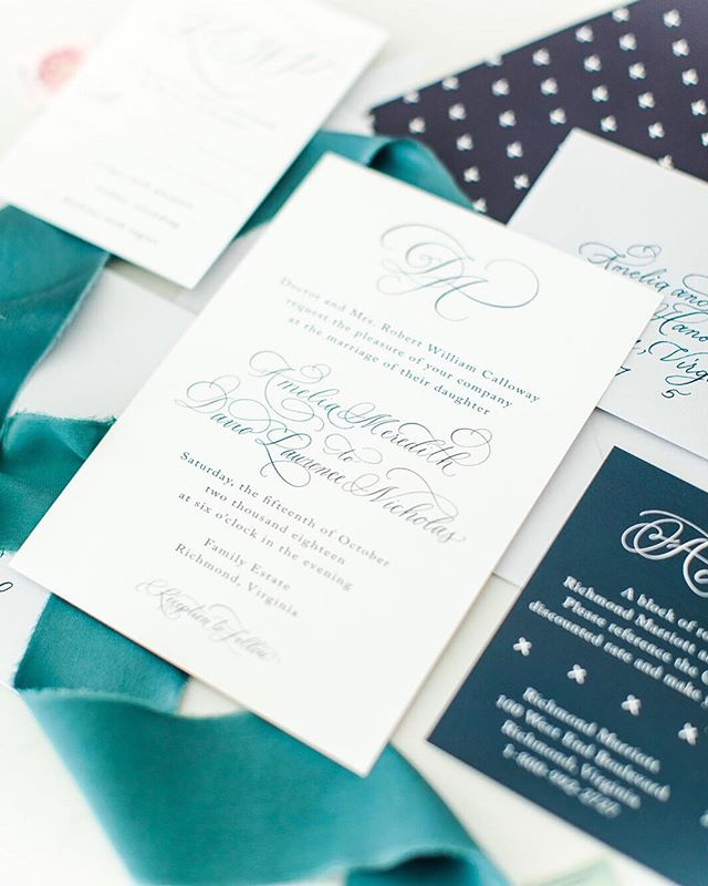 I love a simple invite that throws a punch with some perfectly placed flourishes. . #sincerelyamydesigns #sincerelyamyinvitations . Photography: @katelynjames Planning: @dearsweetheartevents Bridal Gown: @chantillylacebridals Bridesmaids Dresses: @renttherunway  Hair: @glam_by_dana  Makeup: @angelasutak Flowers: @amandaveronee Ribbon: @courtneyinghram Rentals: @paisleyandjade  Paper & Calligraphy: @sincerelyamydesigns Cake: @sorbysweets  #theworkshopexperience