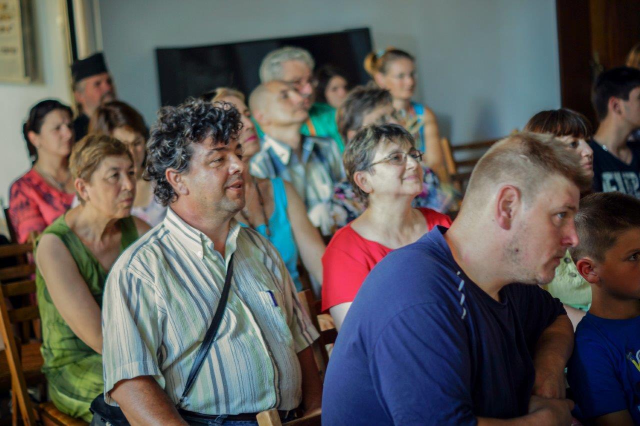 Bulgarian audience from Khardzali, where the Tarpan now roam free, enjoying TARPAN for the first time in Bulgaria.
