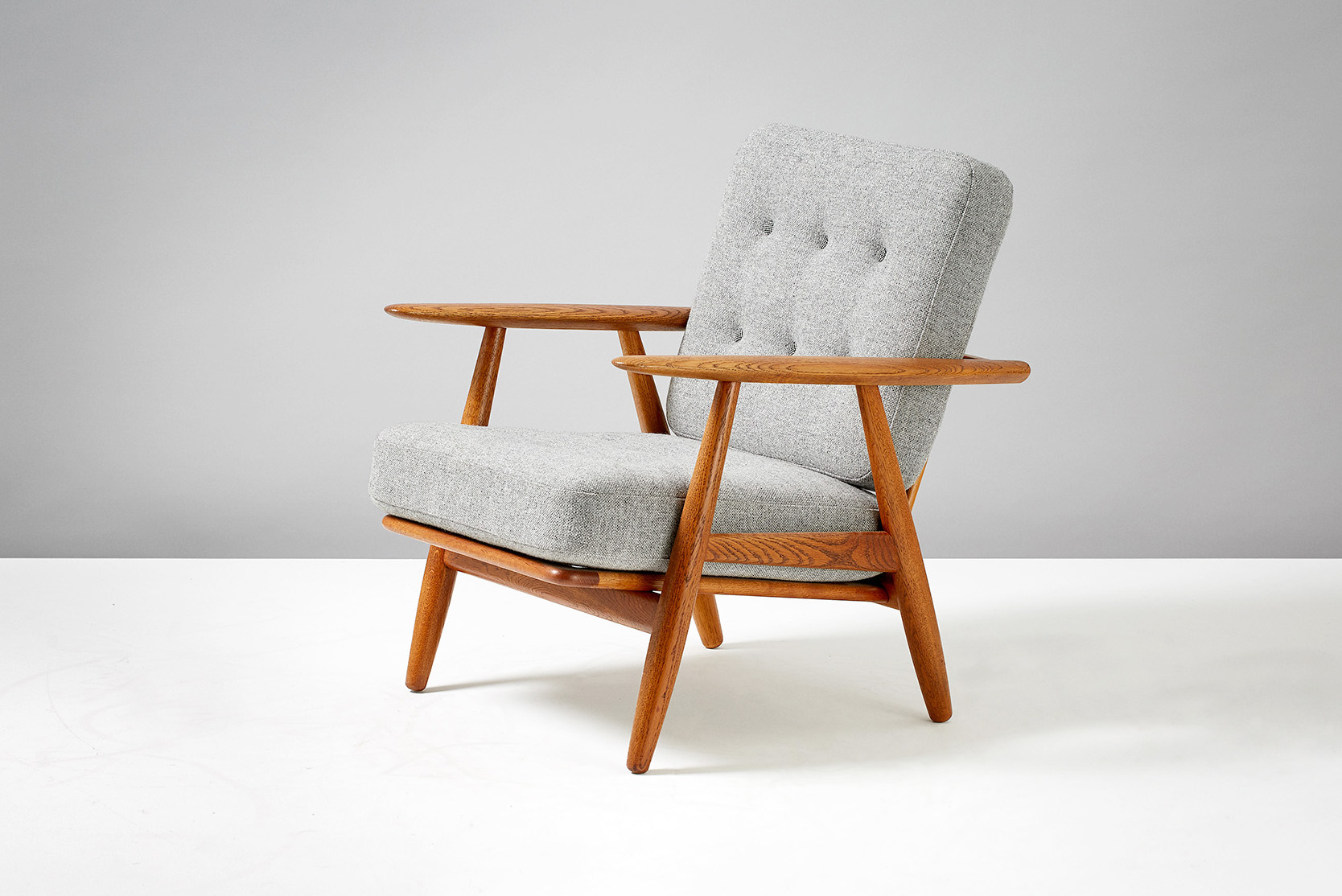 Hans Wegner GE-240 Cigar Chair, Oak