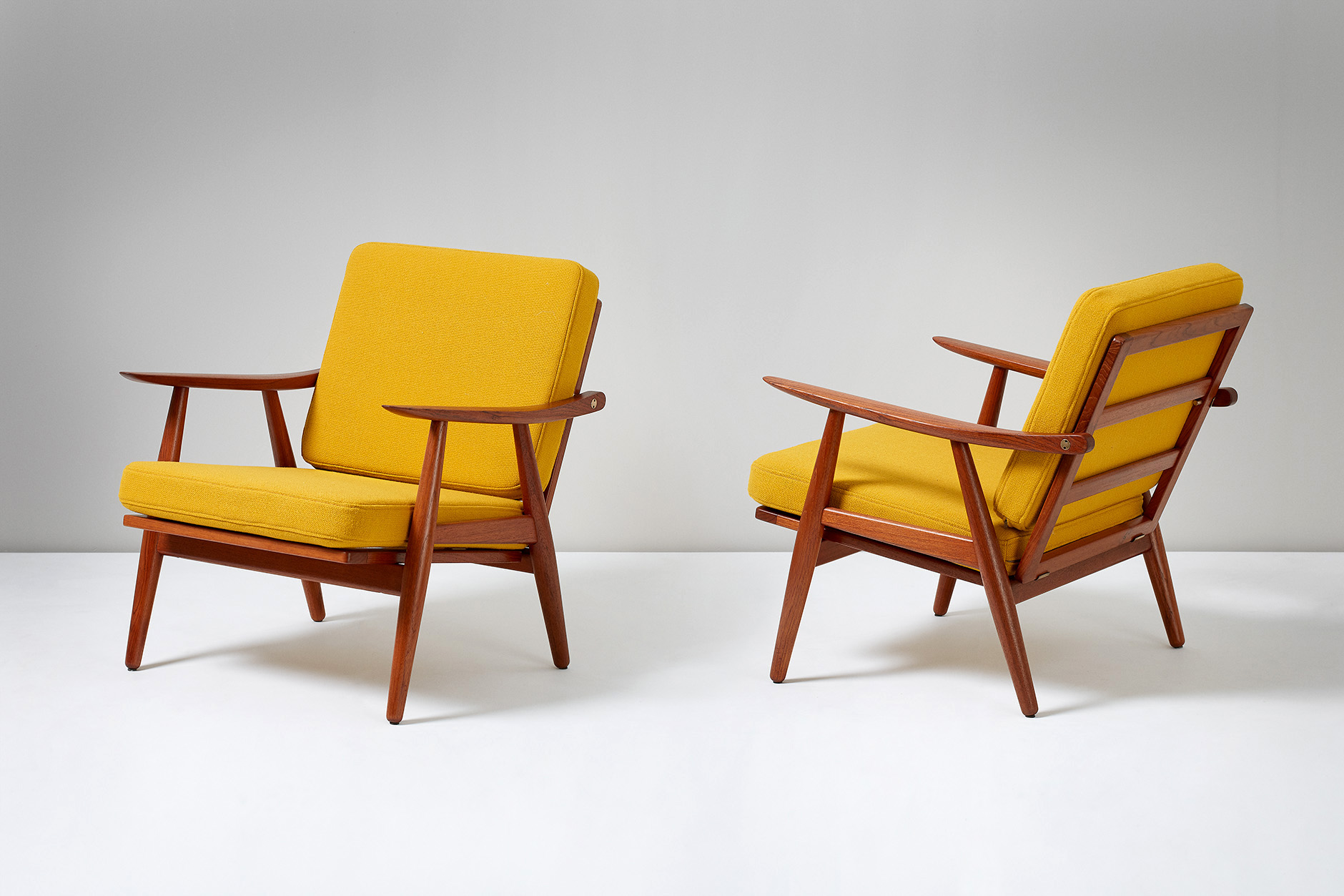 Hans Wegner GE-270 Lounge Chairs, Teak