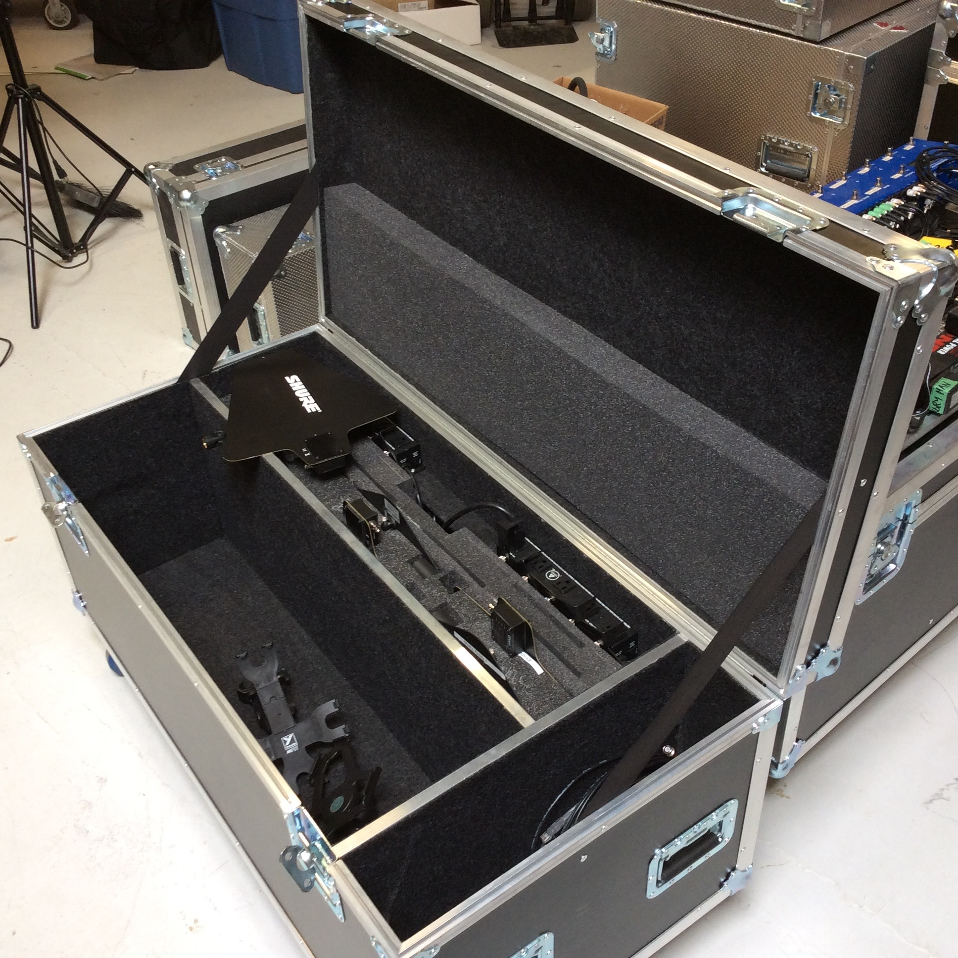 "iPad & Antennae Case  Make: Engineered Case Manufacturers  Dimensions: 47.25"" X 23.25"" X 20""  Notes: 6"" Castors"