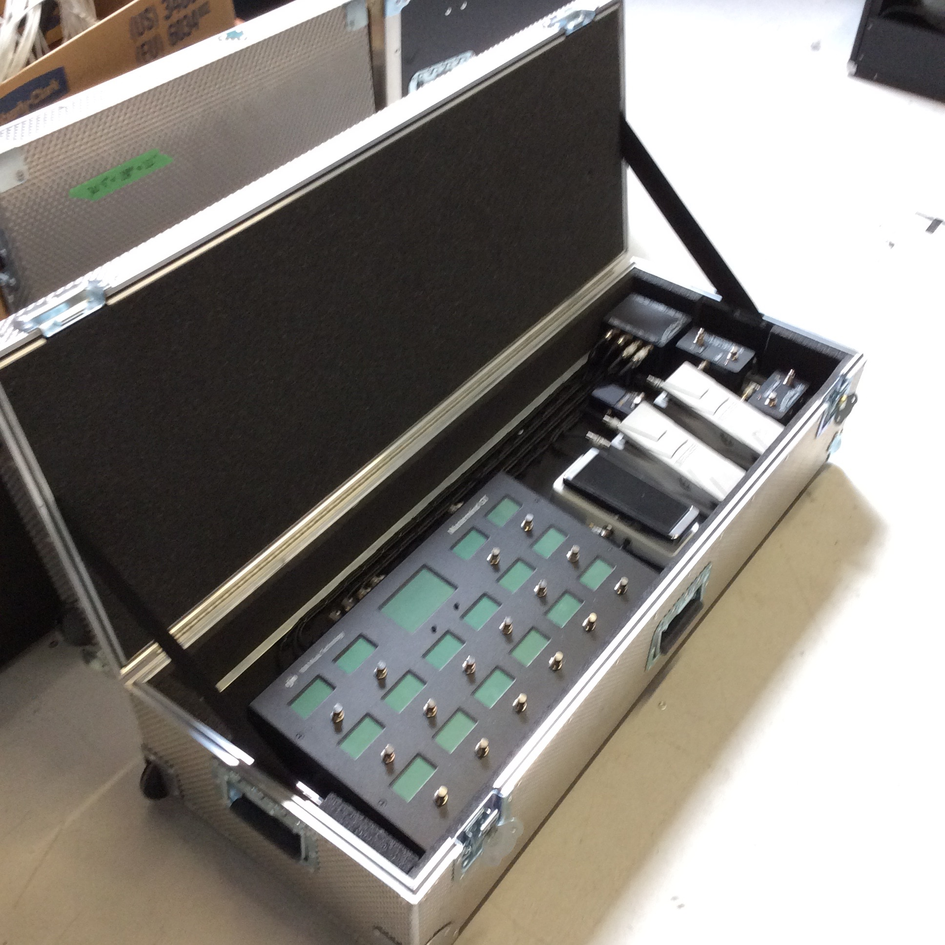 """Pedal MIDI Switcher Flight Case  Make: Engineered Case Manufacturers  Dimensions: 43.5"""" X 16.5"""" X 10""""  Notes:"""