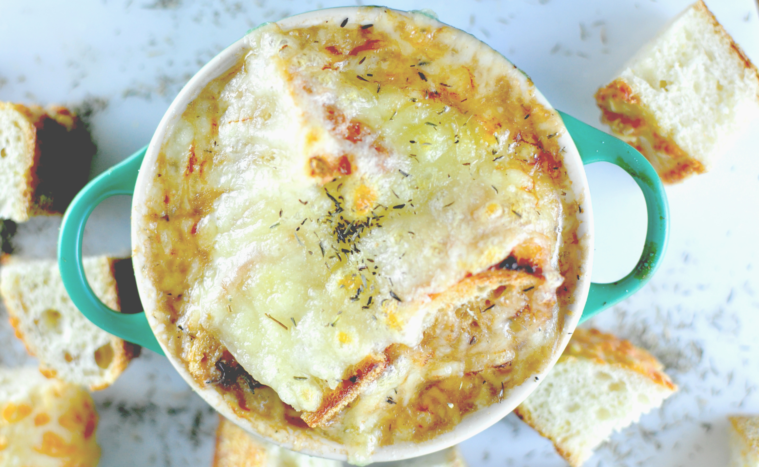french onion soup with gruyere croutons | kitchen lush