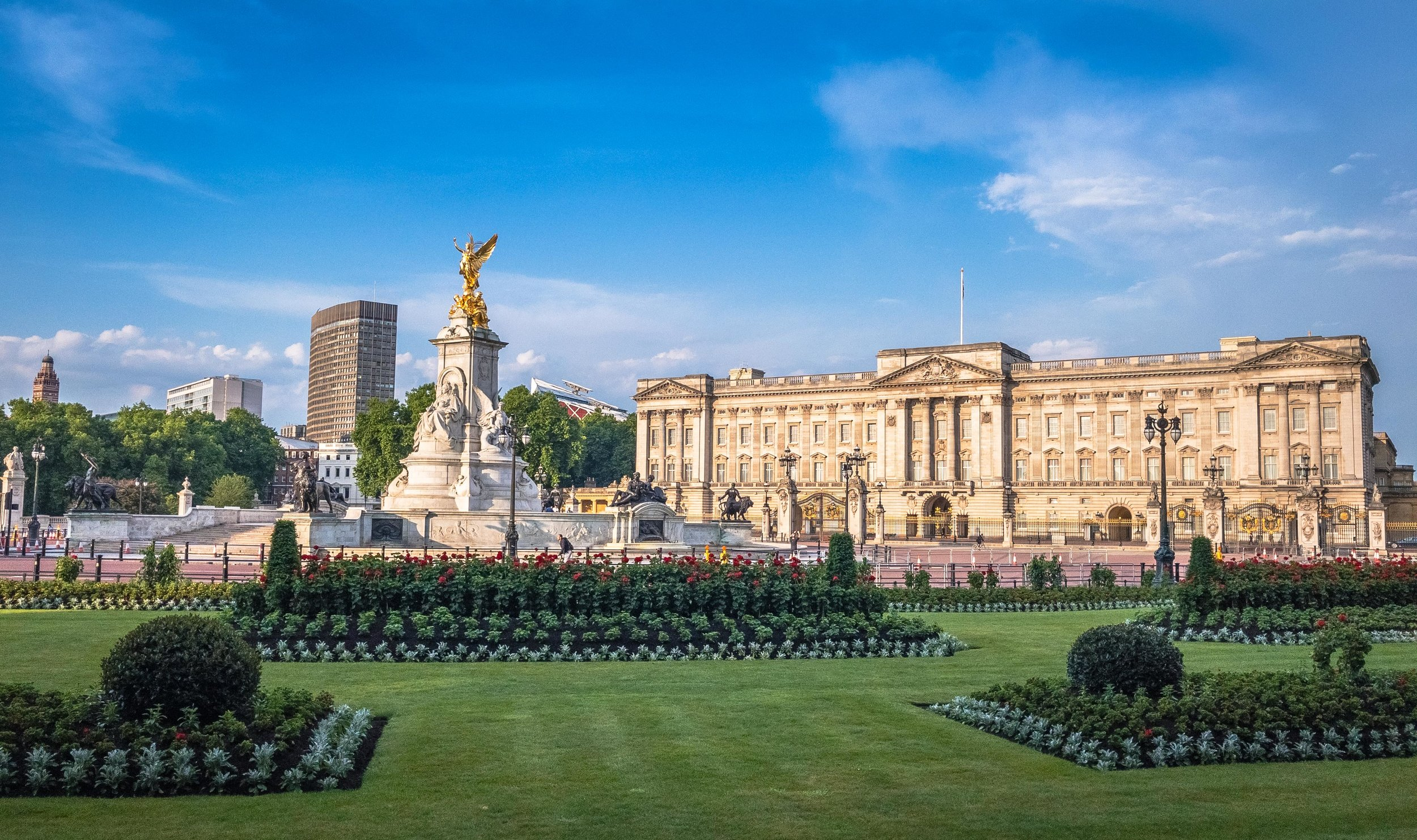 Early Morning at Buckingham Palace, 2017