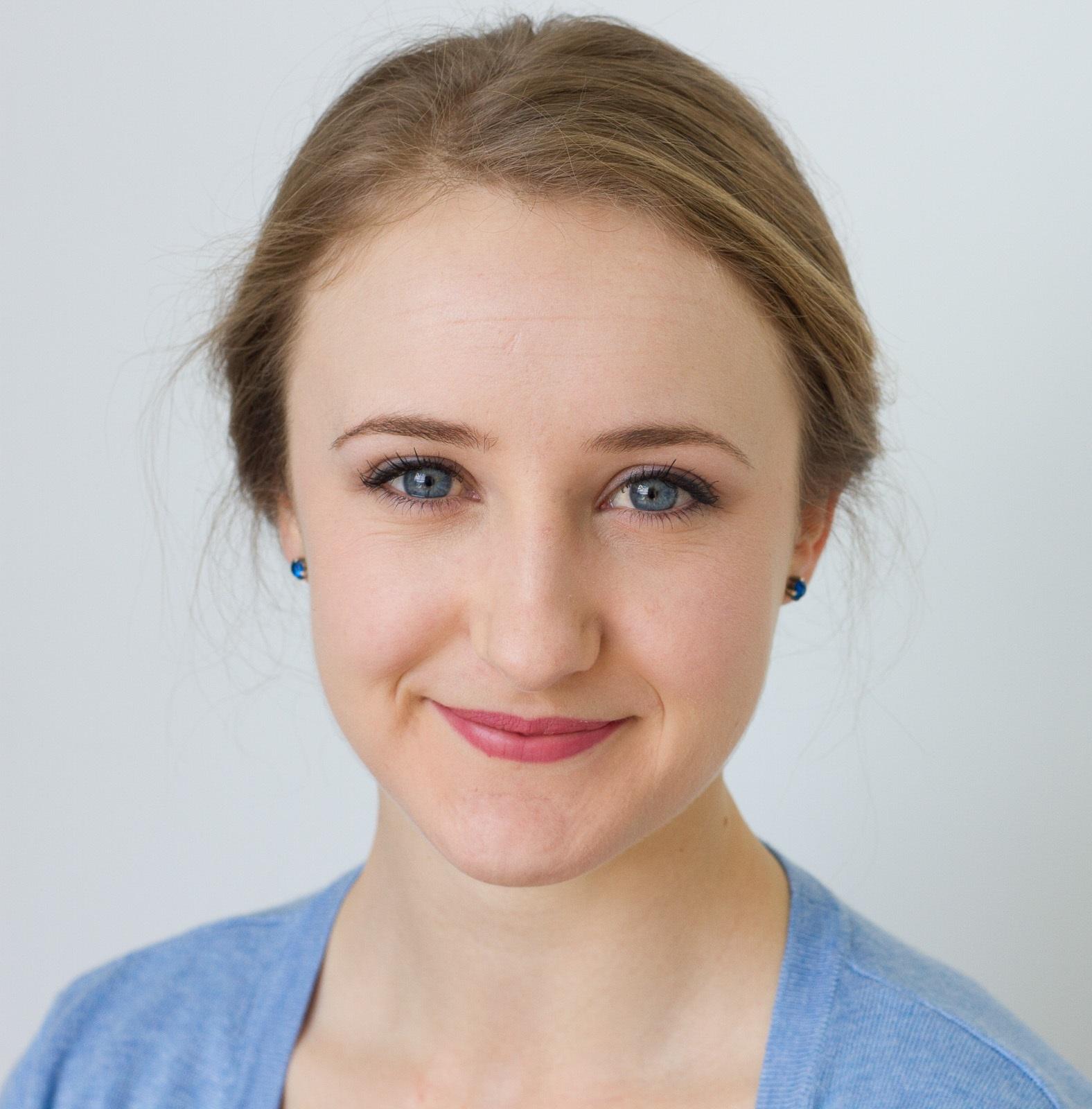 Anna Mahon - Headshot.jpg