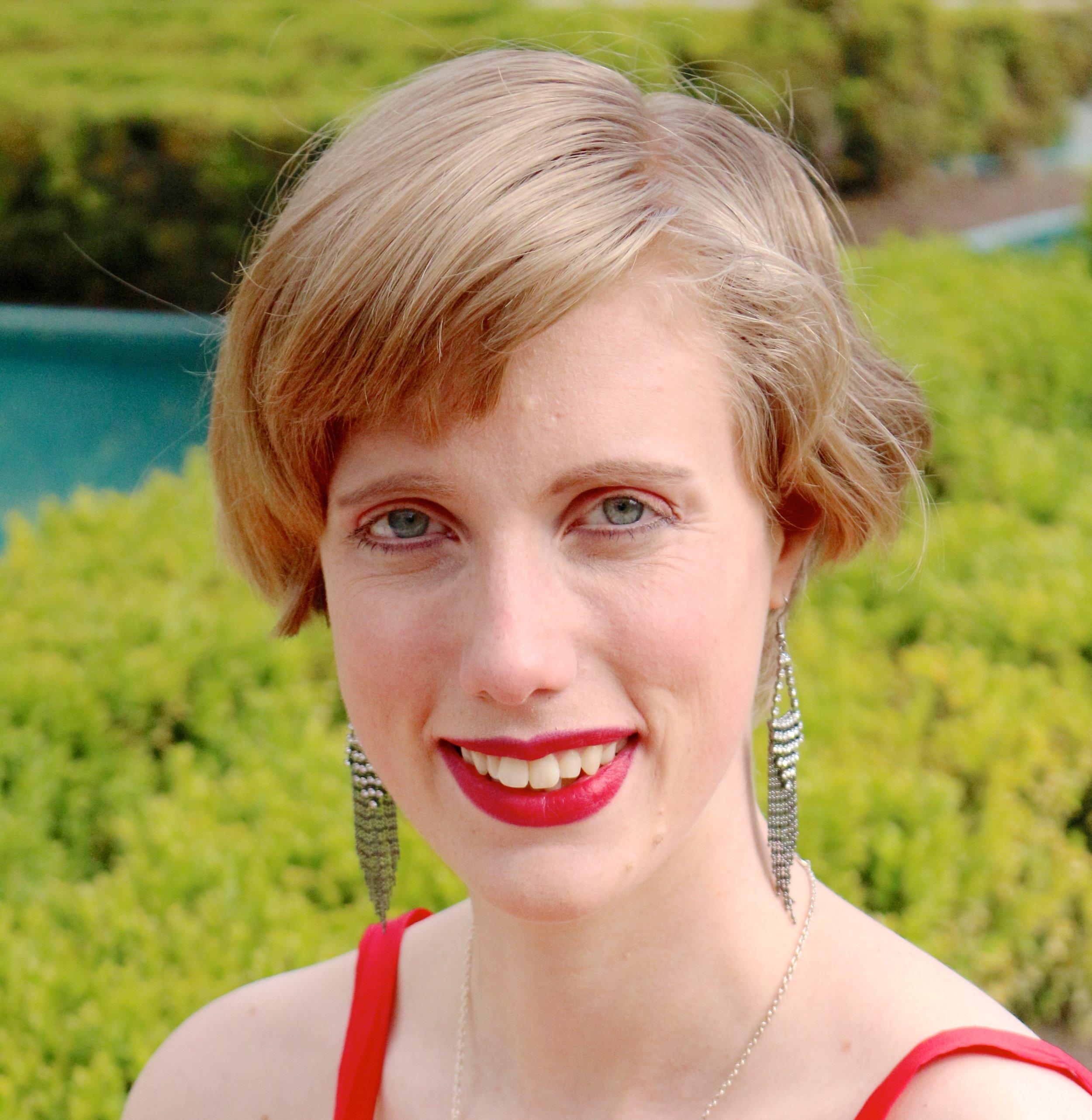 Cecily Shaw Headshot.jpg