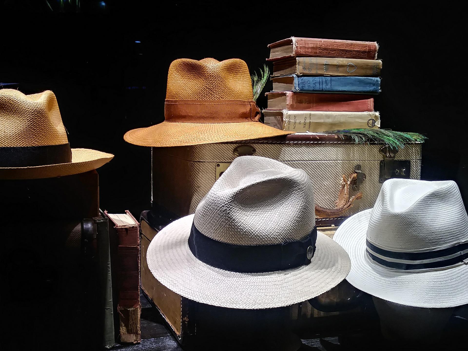 mens-hats-2690758_1920.jpg