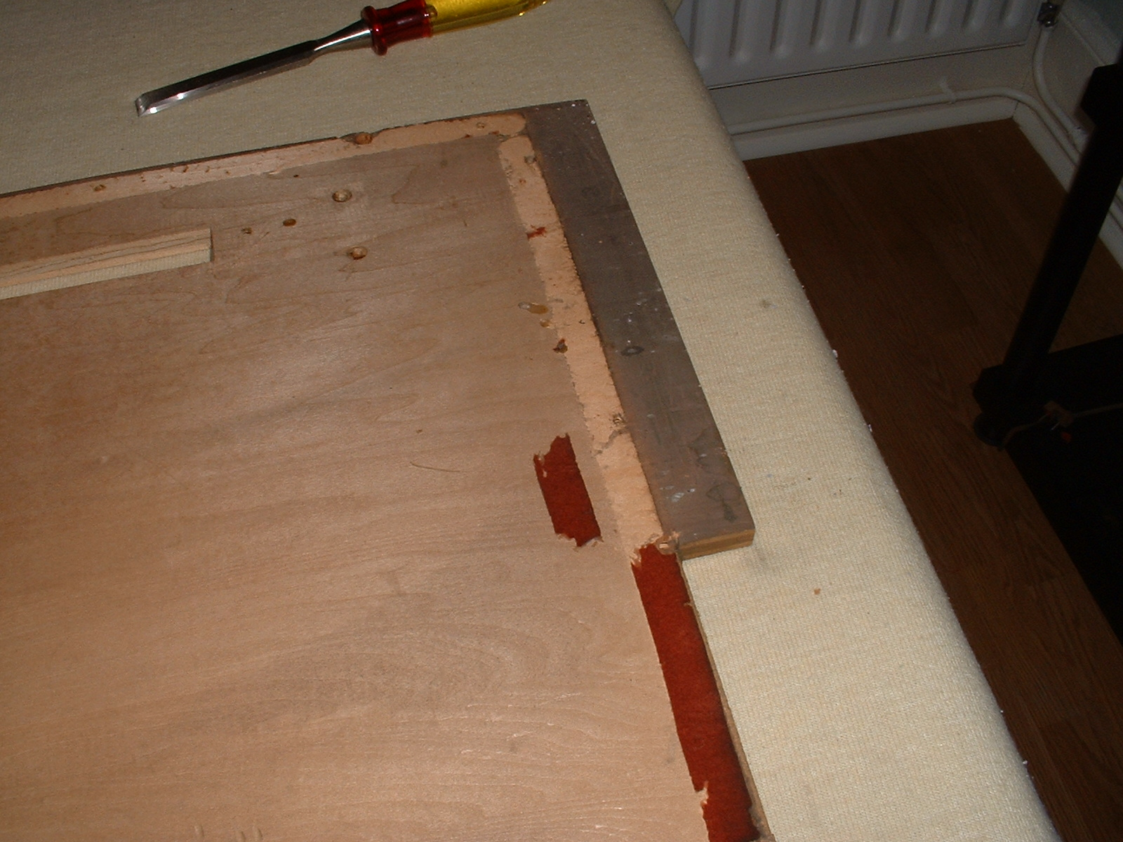Most of the felt gasket on the bellows platform had been eaten. I replaced it with new felt but would use leather now