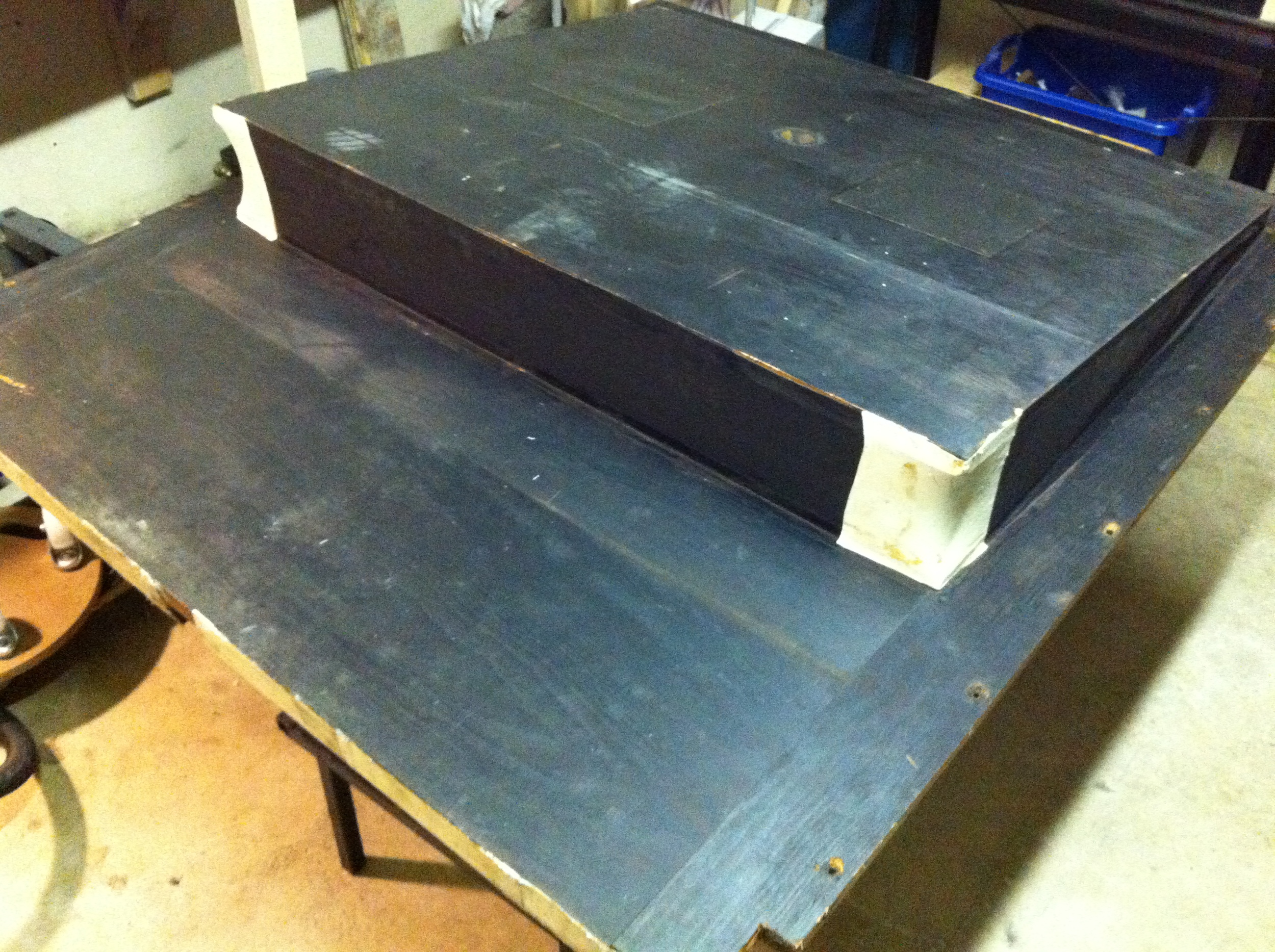 The back bellows with old cloth and corner patches