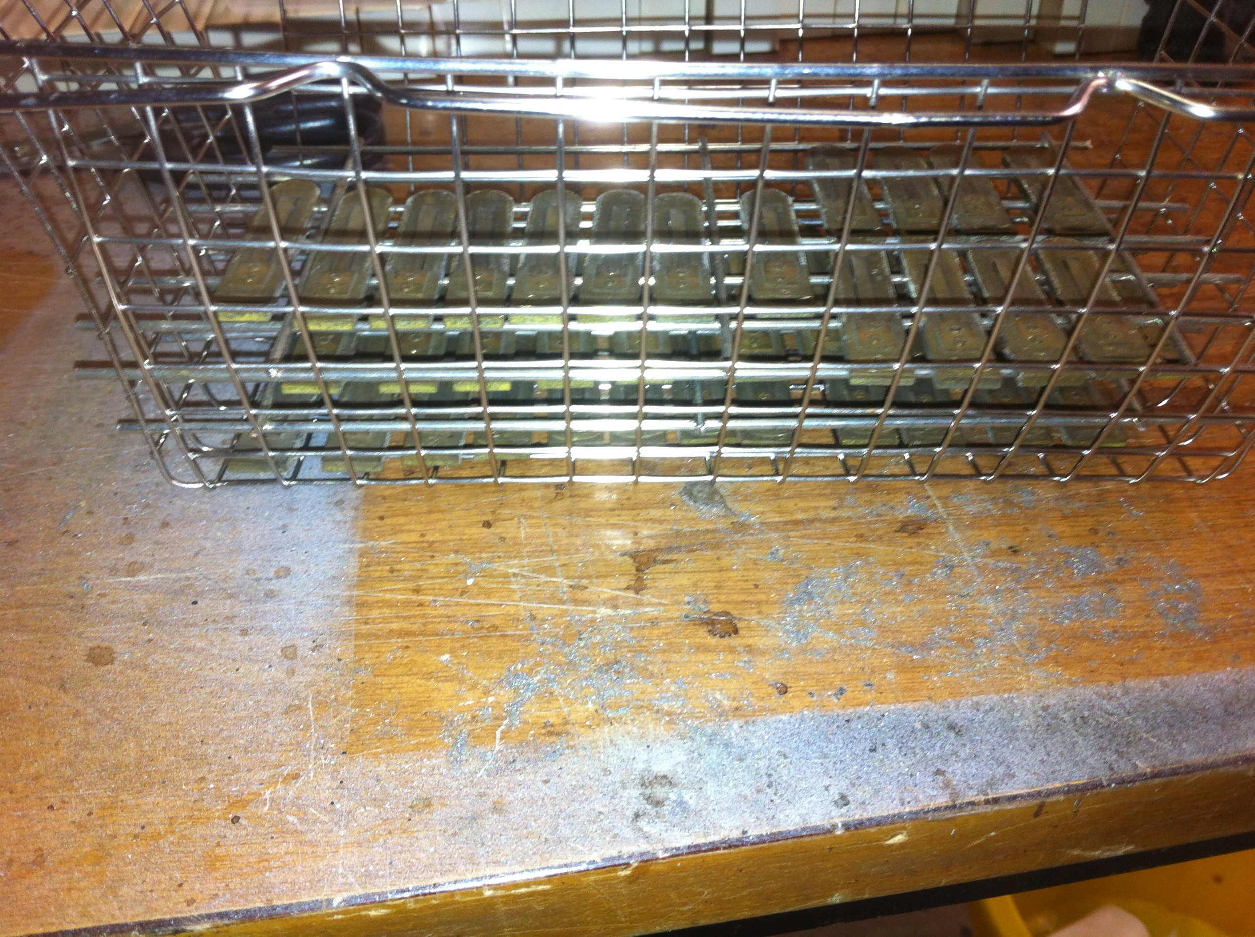 Reeds in ultrasonic cleaner basket