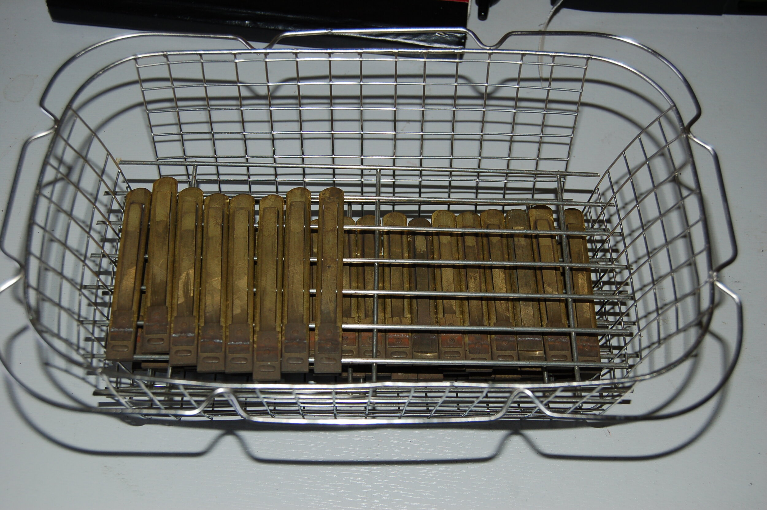 Reeds prepared for the ultrasonic cleaner