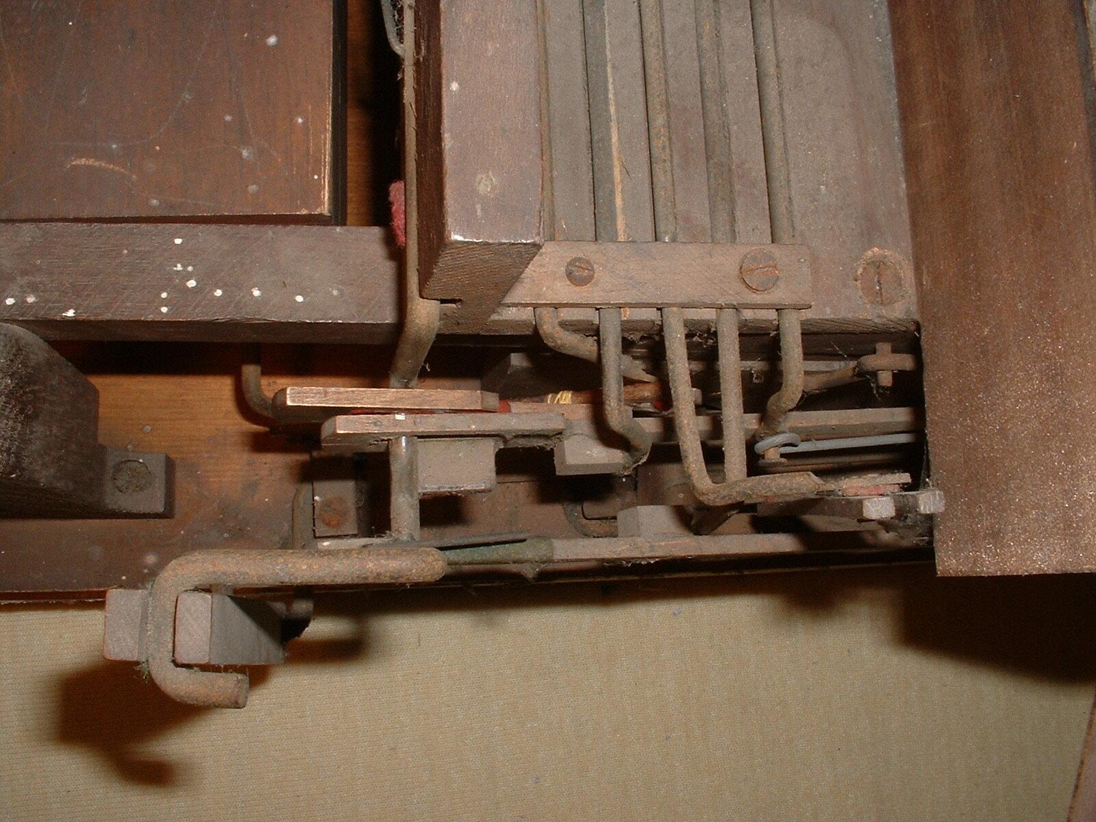 left hand side linkages.JPG